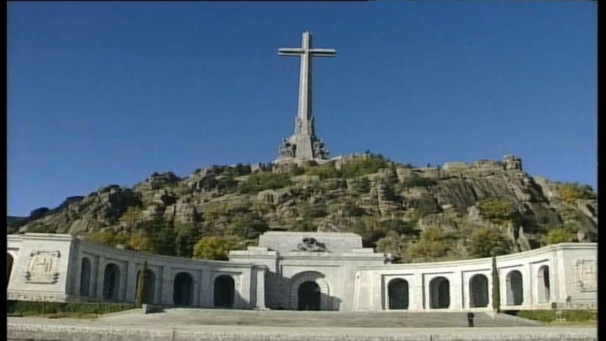 طريق مفتوحة أمام الحكومة الإسبانية لنقل رفاة الجنرال فرانكو