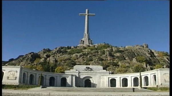 İspanya diktatör Franco'yu mezarından çıkarıyor, Franco'yu övmek suç olacak