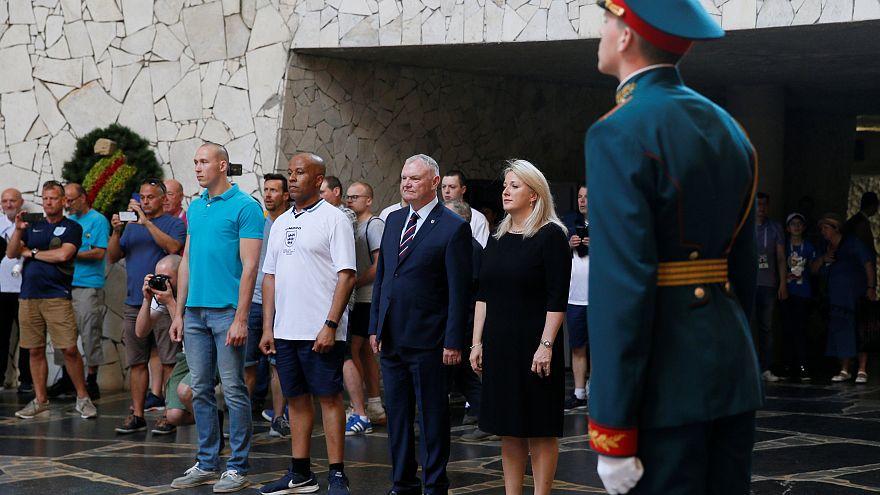 Британская делегация в Зале Памяти