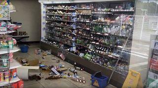 Caos em Osaka com sismo intenso