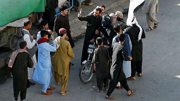 Taliban angry at ceasefire selfies in Afghanistan