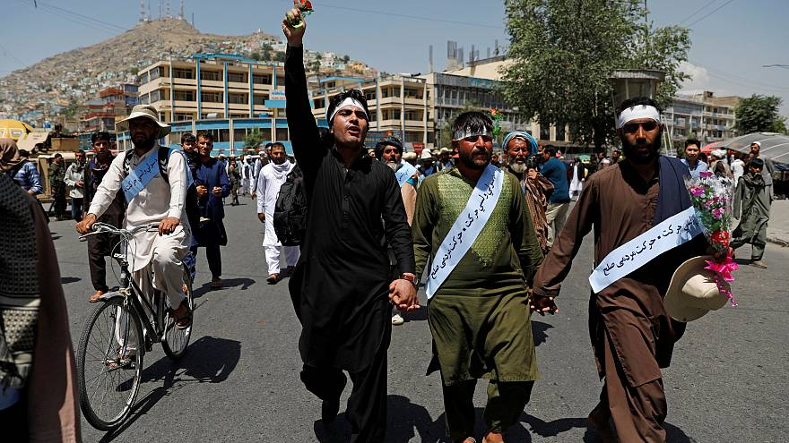 Savaş mağduru Afganlar barışa yürüdü