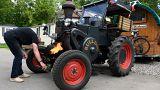 Deutscher Fan kommt mit Traktor zur Fußball-WM