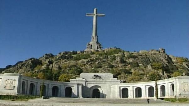 دولت جدید اسپانیا میخواهد بقایای جنازه فرانکو را از مقبرهاش خارج کند