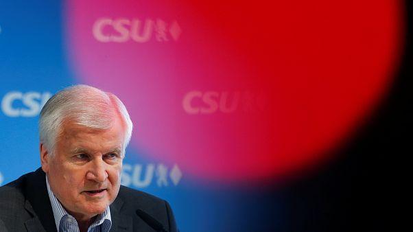"""""""La propuesta de Seehofer para frenar la inmigración en las fronteras alemanas sería costosa y difícil"""""""