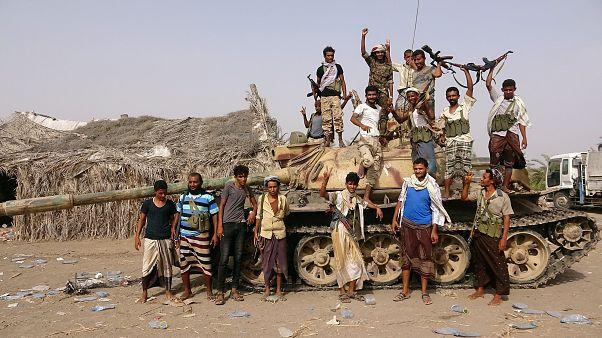 تحالف تقوده السعودية يدخل مجمع ميناء الحديدة اليمني