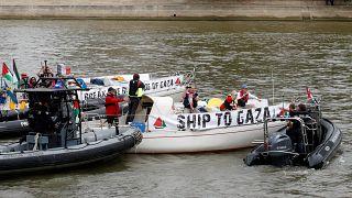"""França proíbe barcos da """"Flotilha da Liberdade"""" de atracar em Paris"""