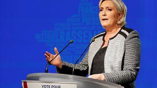 300.000 euros d'amende pour Marine Le Pen