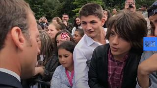 """Macron riñe a adolescente: """"O me llamas señor presidente de la República o me llamas señor"""""""