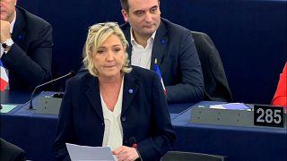 Marine Le Pen muss 300 000 Euro zurückzahlen