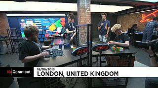 Des champions de Rubik's Cube s'affrontent à Londres