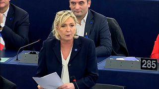 Parlamento europeo, Le Pen condannata a restituire 300.000 euro