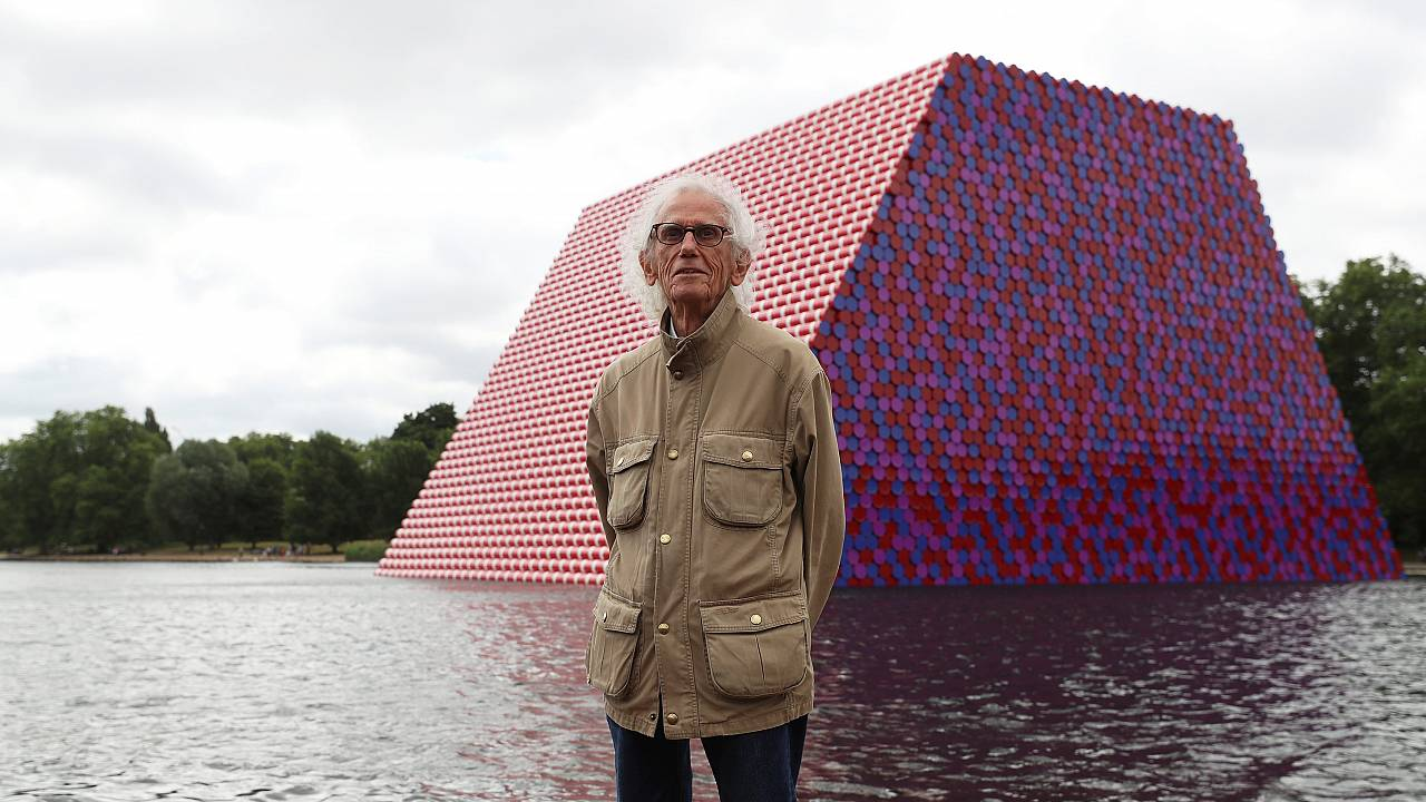 Christo flutua no Hyde Park