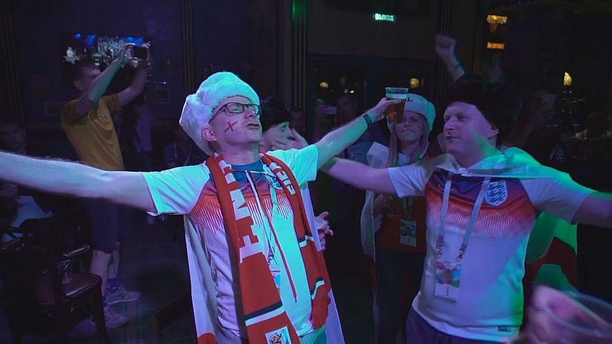 شادی هواداران تیم فوتبال انگلستان