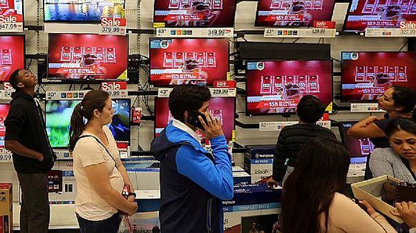 Istat: crescono i consumi ma anche il divario tra famiglie