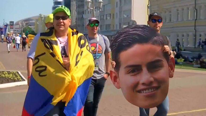 مشجعو المنتخب الكولومبي يساندون لاعبيهم على أنغام السالسا