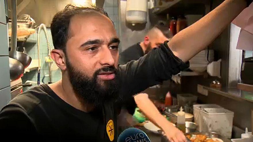 Aşçılar Mülteci Yemek Festivali'nde hünerlerini sergiliyor