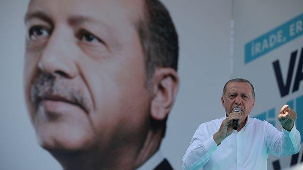 Mindent bevet Erdogan a választás hajrájában