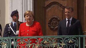 """Макрон и Меркель призывают """"играть по правилам"""""""