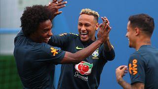 Knöchelschmerzen: Sorge um Neymar