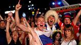 شاهد: احتفال المشجعين الروس بفوز منتخبهم على مصر
