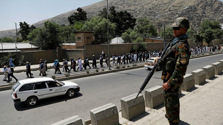 Afganistan'da Taliban saldırısı: En az 30 asker öldü