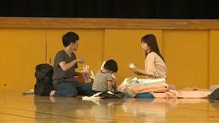 Több száz átmeneti szállással segít a japán kormány