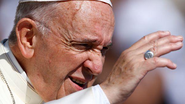 Papa Francis, Donald Trump'ın 'sıfır hoşgörü' politikasını eleştirdi