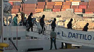 Descienden las peticiones de asilo en países de la OCDE