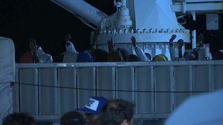 Diciotti coast guard ship docks in Pozzallo with 519 migrants aboard