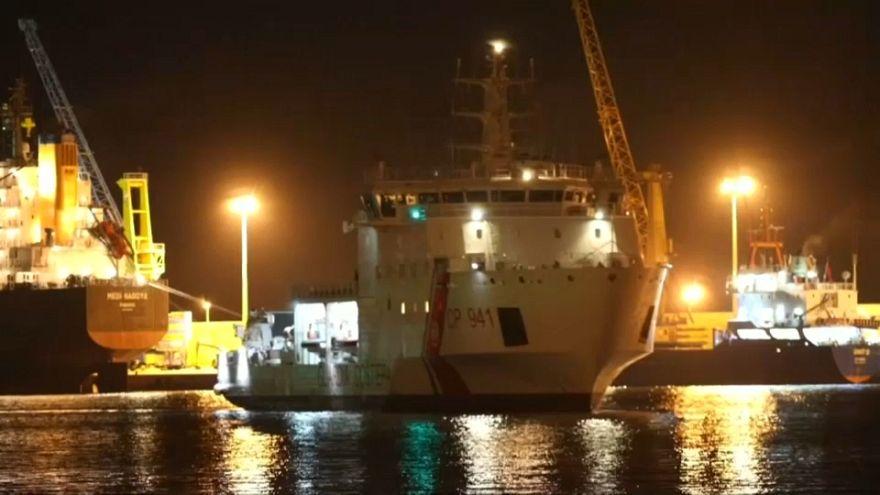 500'den fazla göçmen İtalya'daki Pozzallo limanına demir attı