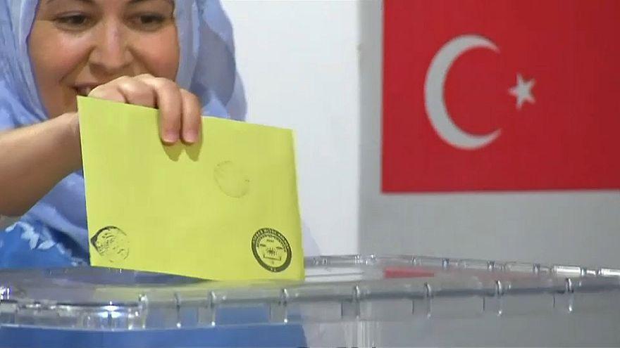 Türkeiwahlen: Rekordbeteiligung bei Deutschtürken