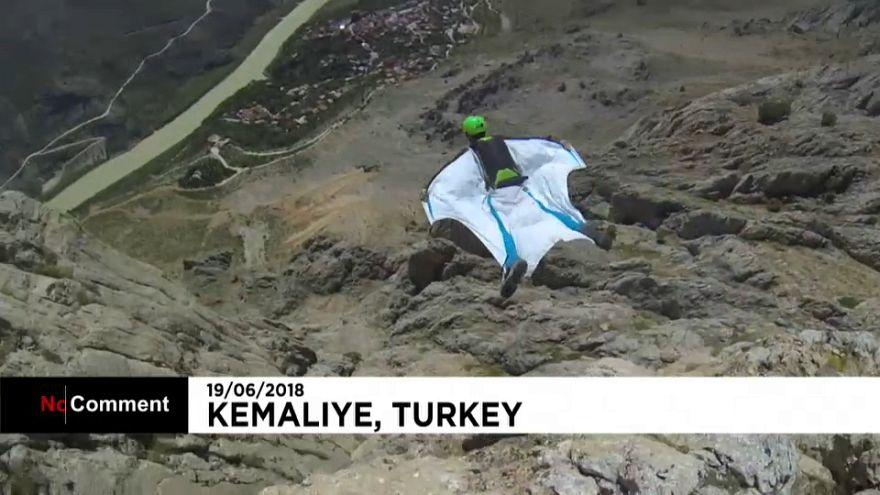BASE jump au-dessus de l'Euphrate