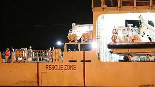 """L'arrivo della nave """"Diciotti"""" al porto di Pozzallo"""