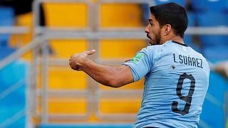 """Russia 2018: il """"Pistolero"""" lancia l'Uruguay agli ottavi"""