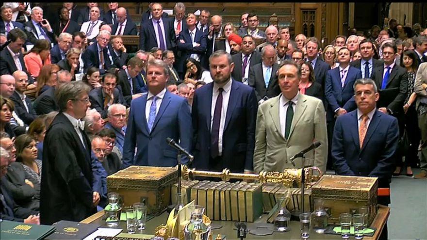 Brexit, il governo May evita una sconfitta ai Comuni