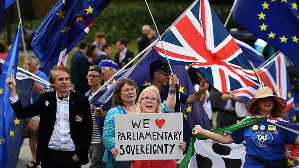 Νέα κοινοβουλευτική νίκη για τη Μέι