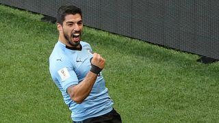 Uruguay und Russland im Achtelfinale
