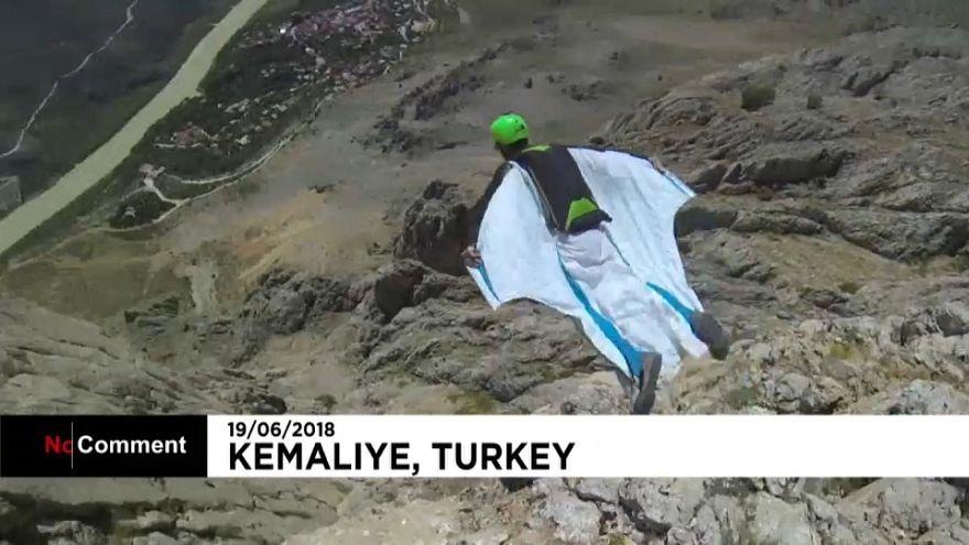 Wingsuit-Fliegen in der Türkei