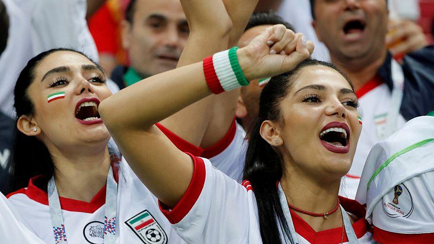 Iran, la felicità delle donne allo stadio per la prima volta da 40 anni