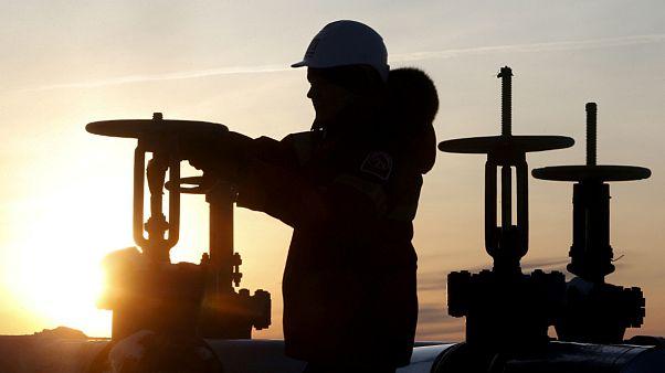 تلاش اوپک برای دستیابی به توافق افزایش تولید؛ موضع ایران نرم شد