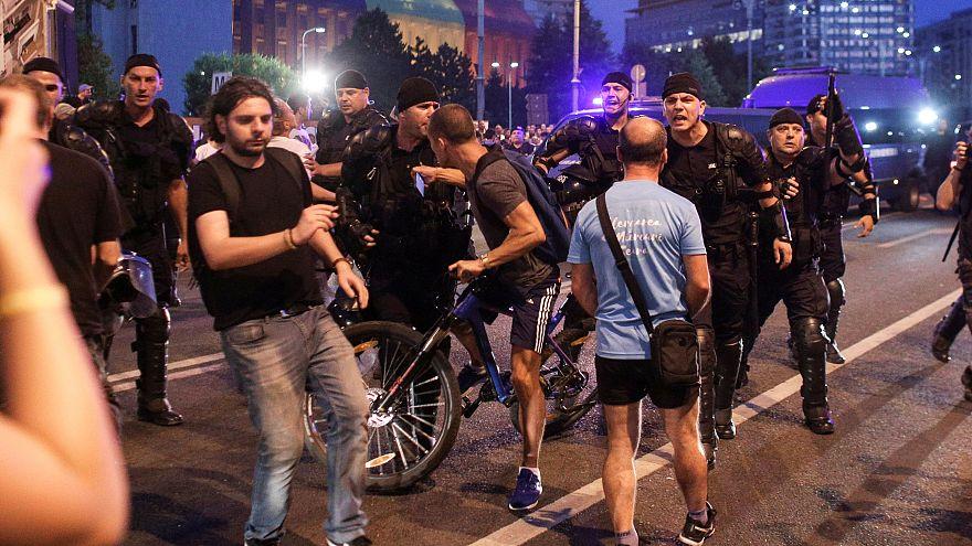 Les Roumains manifestent contre un assouplissement du code pénal