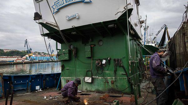 Un peschereccio basco si riconverte in nave per il soccorso migranti
