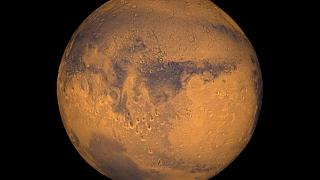 Mars dust storm throws Nasa rover into doubt