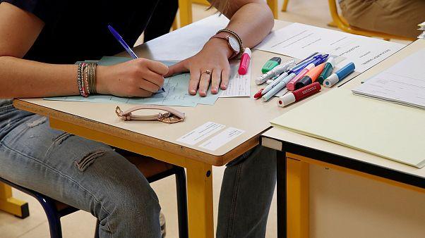 Cezayir'de 5 gün süren lise bitirme sınavı boyunca internet kesilecek