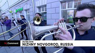 Une fanfare à l'heure du foot à Nijni Novgorod