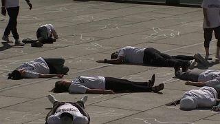 Madrid celebra dia Mundial do Refugiado com protesto contra massacre em El Salvador, Honduras e Guatemala