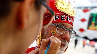 Les fans en effervescence avant le match France-Pérou
