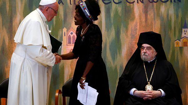 Ferenc pápa Genfben