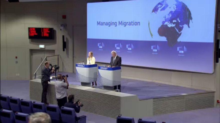 """В ЕС заговорили о """"Гуантанамо для мигрантов"""""""